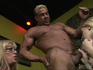 blow darbą, groupsex, žmogui didelis penis šūdas