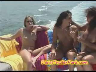 Hardcore swinger party bij de jacht