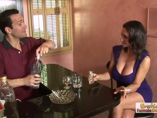 Barman can't resist this cougars huge cleavage