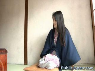 Suka enjoys plenty na veřejné pohlaví