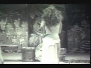 Ketinggalan zaman eksotis dancer