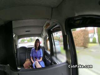 Grăsuț britanic asistenta în fake taxi cab gaoz