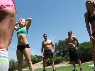 Heiß babes groß titten genial fitness klasse