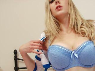 स्तन, गोरे लोग, बड़े स्तन