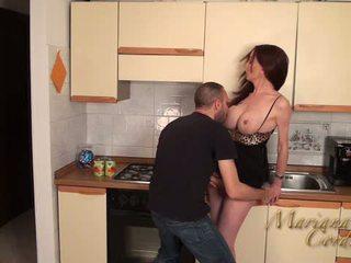 Mariana cordoba 热 在 该 厨房