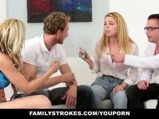 Familystrokes - perhe peliä yö vimma