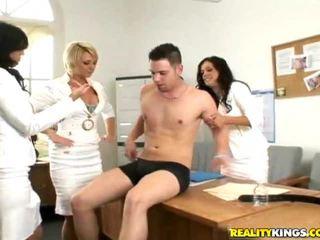 U টিউব এর male মডেল সঙ্গে গুরুভার cocks