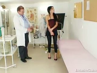 Latina Victoria Rose gyno exam with sp...