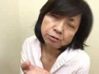 日本語 媽媽 sucks swallows & squirts