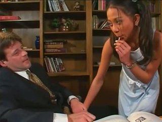 brunetă, sex oral, deepthroat