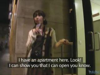 اليابانية سائح persuaded إلى ديك جنس