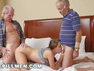 Bluepillmen - introducing पुराना आदमी duke को टीन naomi alice (bpm14870)