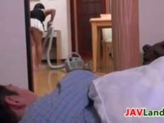 Giapponese casalinga pleasuring suo marito