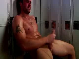 Handsome muscular jock मास्टर्बेटिंग