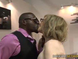 Nina hartley fucks črno guys za votes