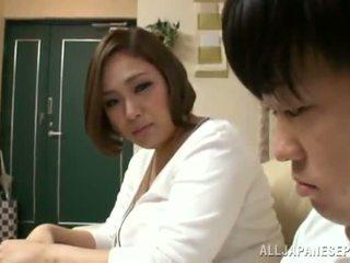 Reiko yumeno pleases jotkut mies lähes a wonderful tiainentyöpaikka