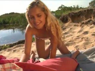 vô tội teen amateur, blowjobs, bãi biển