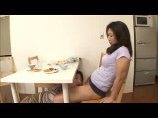 Japoniškas žingsnis mama su ne juosmenėlės