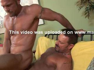 Str8 hung 6'7'' firefighter has gejské sex.