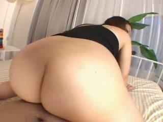 Mai miyamabeautiful azjatyckie nastolatka enjoys having seks z the rear