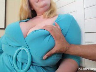 Dögös nagymellű bevállalós anyuka tiffany blake loves sötét pöcs - porn videó 731