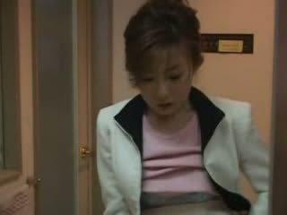 Japonesa mamá pillada nephew pajeando vídeo