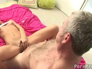 Lusty صغير boobed tanner mayes getting لها bawdy cleft cracked بواسطة ل مسخ jock