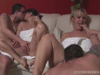hardcore sex, orálny sex, skupinový