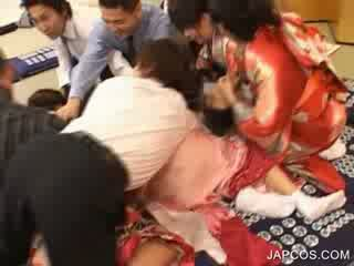 일본의 geisha gets 입 fingered