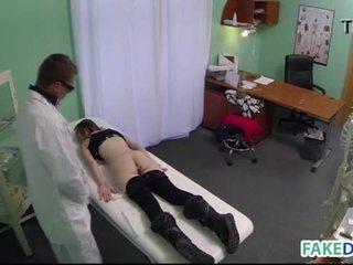 Kovacorea seksi sisään fake sairaalan
