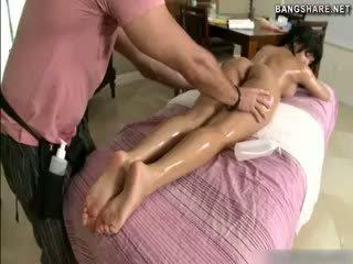 brunetki, masaż