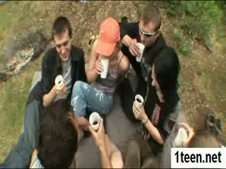 Alluring teenie getting gaped קשה