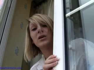 Demi scott - finestra cleaner