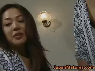 Καυλωμένος/η ιαπωνικό ώριμος/η babes τσιμπουκώνοντας part3