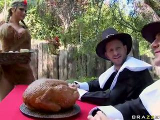 אורגיה עם alanah rae breanne benson ו - phoenix marie וידאו