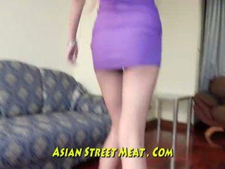 Lithe anal joder bimbo con esperma en todo tres holes