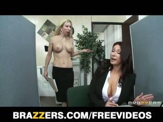 Brazzers - pelirroja mqmf tiffany mynx castigada para pobre trabajo