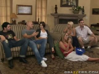 Vapaa alaston välillä perhe porno video-
