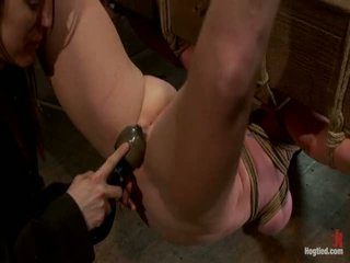 Two สาว, มหาศาล นม, ผูกพัน, 1 suspended, 1 neck tied ลง & arched.<br>both ทำ ไปยัง brutally สำเร็จความใคร่!