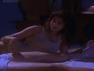 брюнетка, еротичен филм, сексапилен