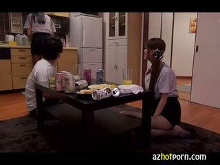 Azhotporn.com - lewd amatør jenter japansk av handjob