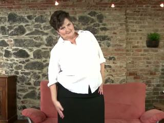 Real Granny with Hairy Cunt and Big Boobs: Free HD Porn 93