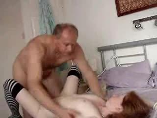 Stepdad i gorące stepdaughter w domu wideo