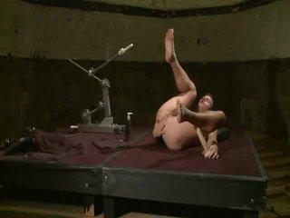 Derrek Diamond In The Shower