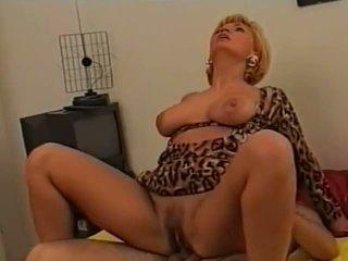 Teresa visconti: gratis poesje porno video- 89
