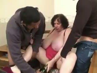 Mature Wife: Free Threesome Porn Video b2