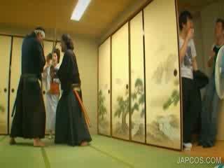 Oriental geisha shows tetitas y perra