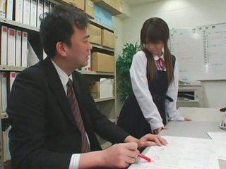 Facciale cumshots su asiatico schoolgirls
