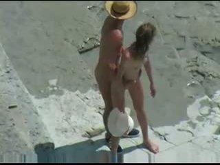 Pár fucks na nahé pláž