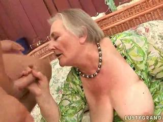 बहुत पुराना बस्टी ग्रॉनी enjoying हॉट सेक्स
